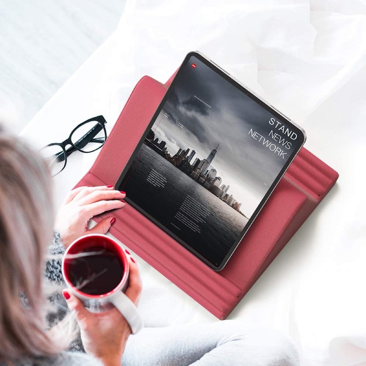 Best iPad Pro 2021 stands - pillow stand