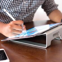 What are the best iPad Pro 2021 compatible stands and holders?